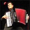 Jens Grossmann unterrichtet mit den Akkordeon-Schulen von Peter M. Haas