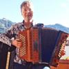 Martina Kluge unterrichtet mit den Akkordeon-Schulen von Peter M. Haas